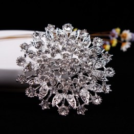 Hot Selling Large Size Sparkling Crystal Rhinestones Flower Brooch Pins for Outer Wear or Wedding